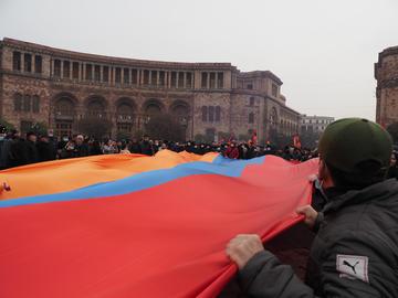 Yerevan, manifestazione anti governo, dicembre 2020, © Cornelius_brandt/Shutterstock