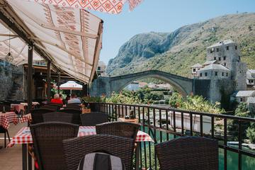 Mostar alla fine di luglio 2020, la città è senza turisti per via della pandemia di coronavirus (© Haris Mm/Shutterstock)