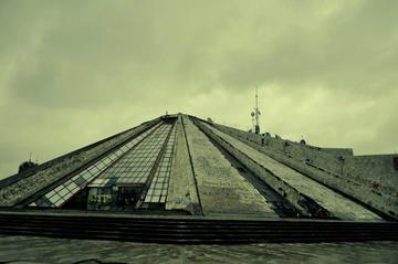 La Piramide di Tirana (foto M. Rukaj)