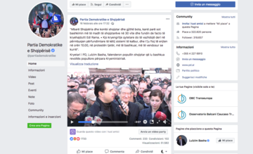 Il leader del PD Lulzim Basha parla durante le manifestazioni di sabato (pagina Facebook del Partito democratico albanese)