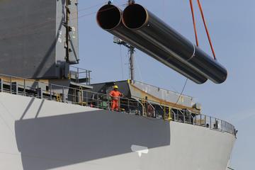 Le prime tubature scaricate al porto di Durazzo - immagine tratta dal portale del TAP