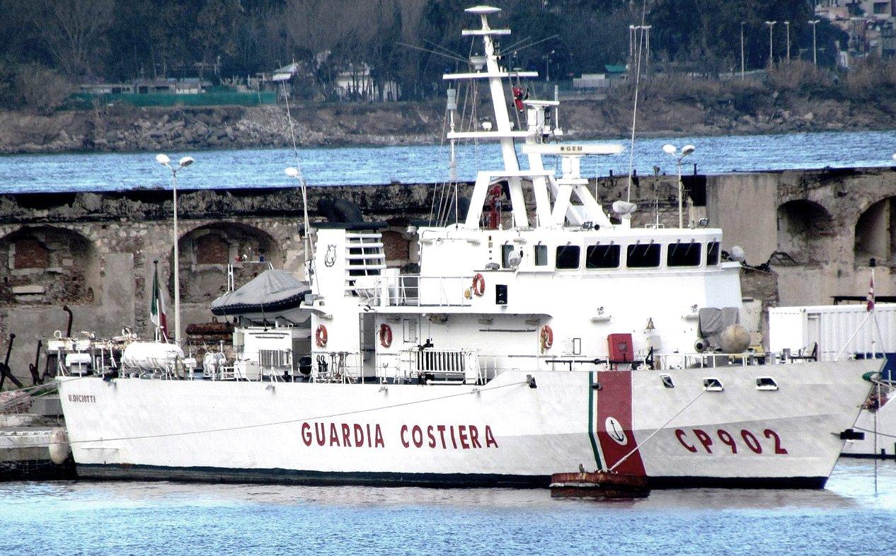 La nave Diciotti della Guardia costiera italiana, foto Wikipedia