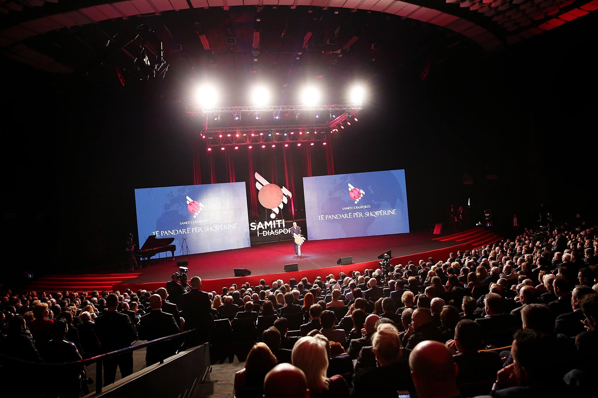 Summit albanesi nel mondo