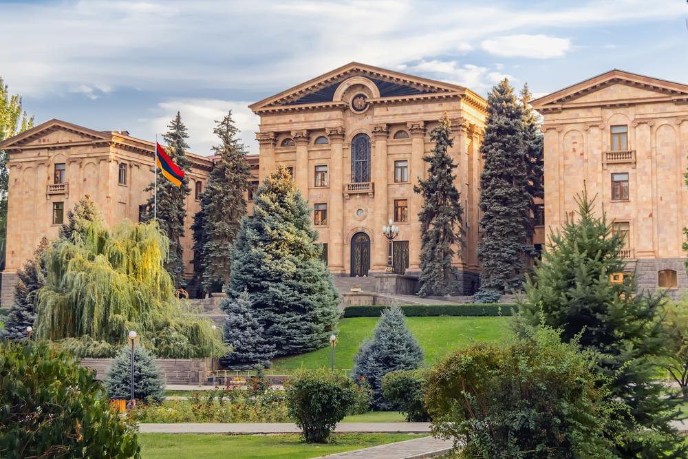 Yerevan, la sede del Parlamento armeno © Ruslan Harutyunov/Shutterstock