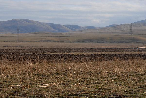 Armenia and Azerbaijan as seen from Tekali, Georgia (Photo © Onnik Krikorian 2011)