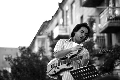 Il chitarrista dei Dorians (dal sito ufficiale del gruppo)