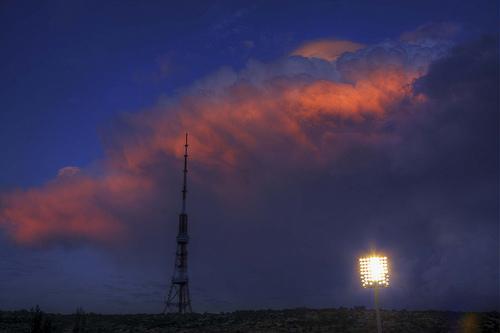 La torre della radio di Yerevan (Foto artnaz, Flickr)