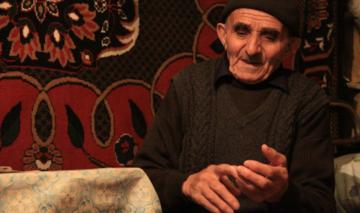 Mamed-Rasul, 90 anni, vive ad Urva, Azerbaijan (Lala Aliyeva/Chai-Khana)