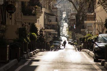 Una strada deserta di Baku, capitale dell'Azerbaijuan, ai tempi del coronavirus