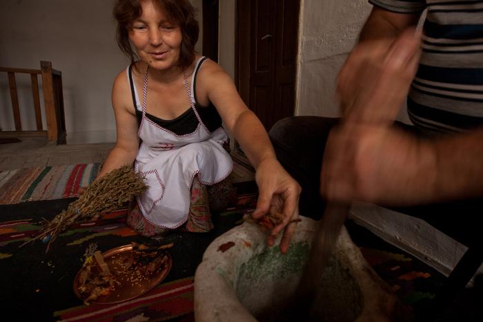 Una piccola attività artigianale nei Balcani - foto di Ivo Danchev