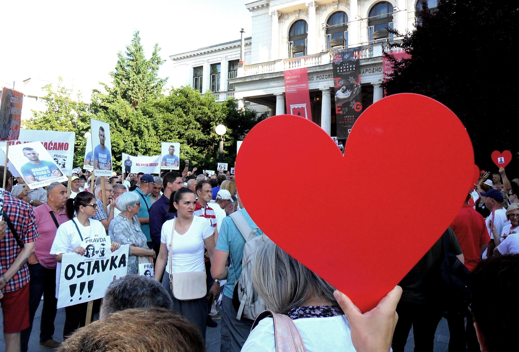 The demonstration to demand justice held last Saturday in Sarajevo (photo by Alfredo Sasso)