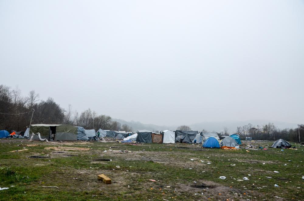 Tende nel campo di Velika Kladuša, Bosnia Erzegovina - Ajdin Kamber/Shutterstock