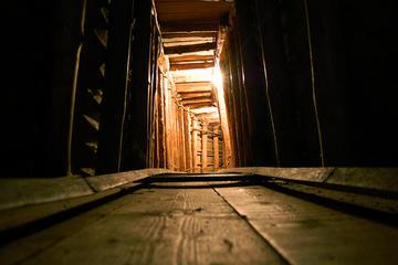 Il tunnel di Sarajevo (Foto rich rich rich, Flickr).jpg