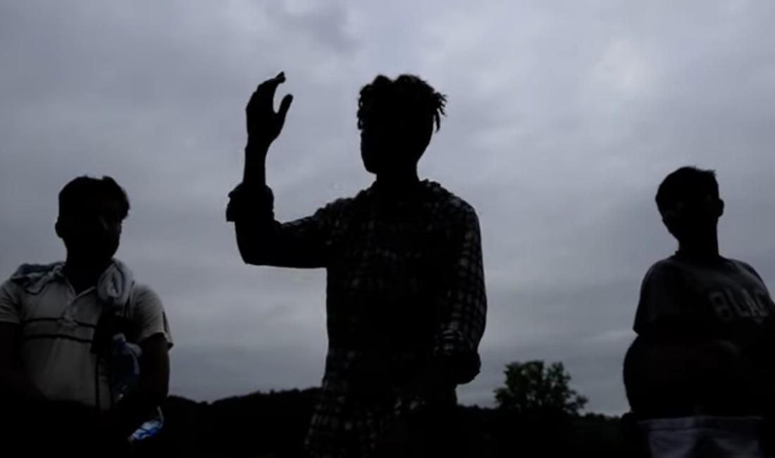 Migranti dalla video testimonianza girata a Otoka, in Bosnia - agosto 2020