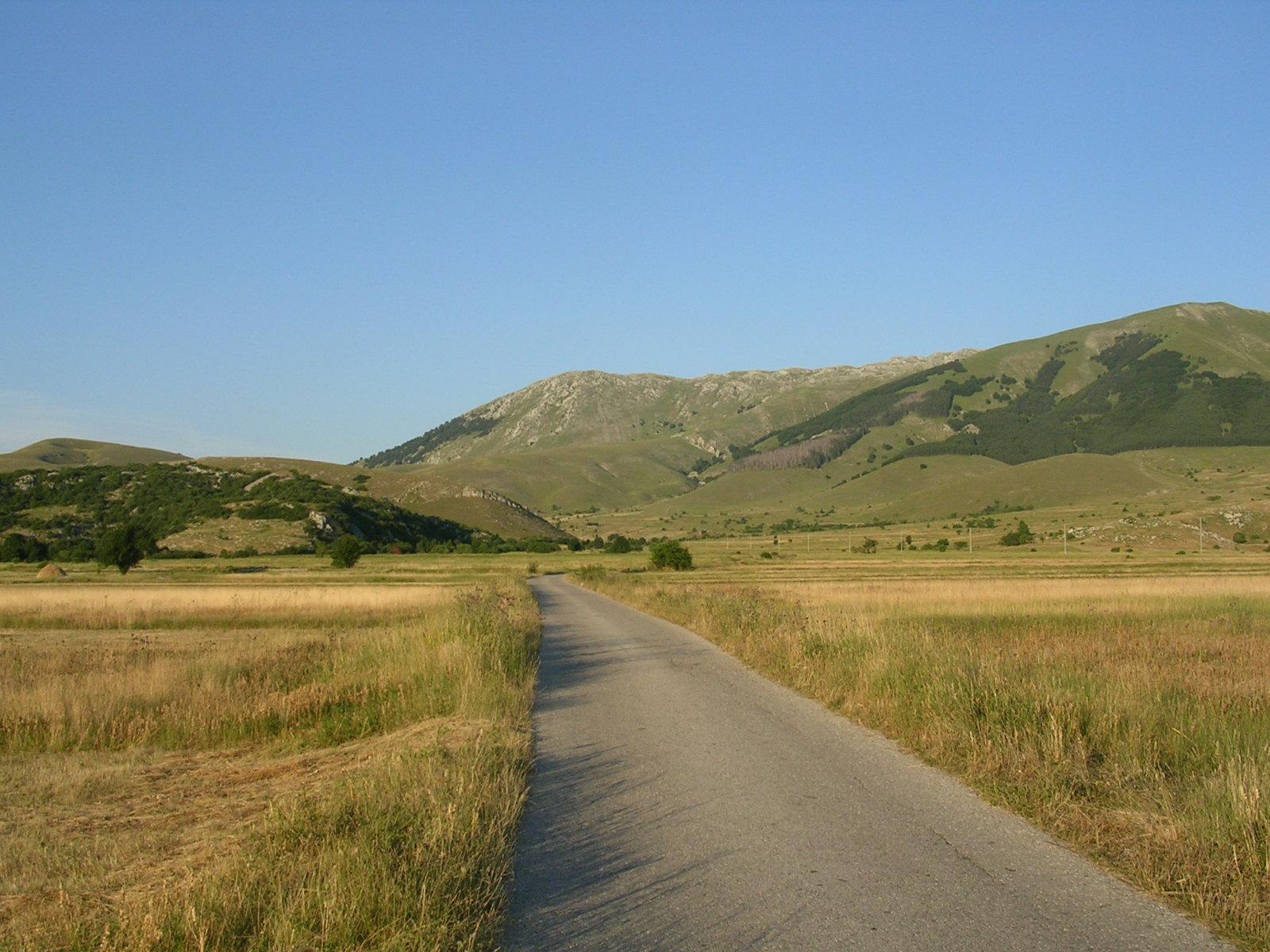 Nei pressi di Nevesinje (foto L. Zanoni)