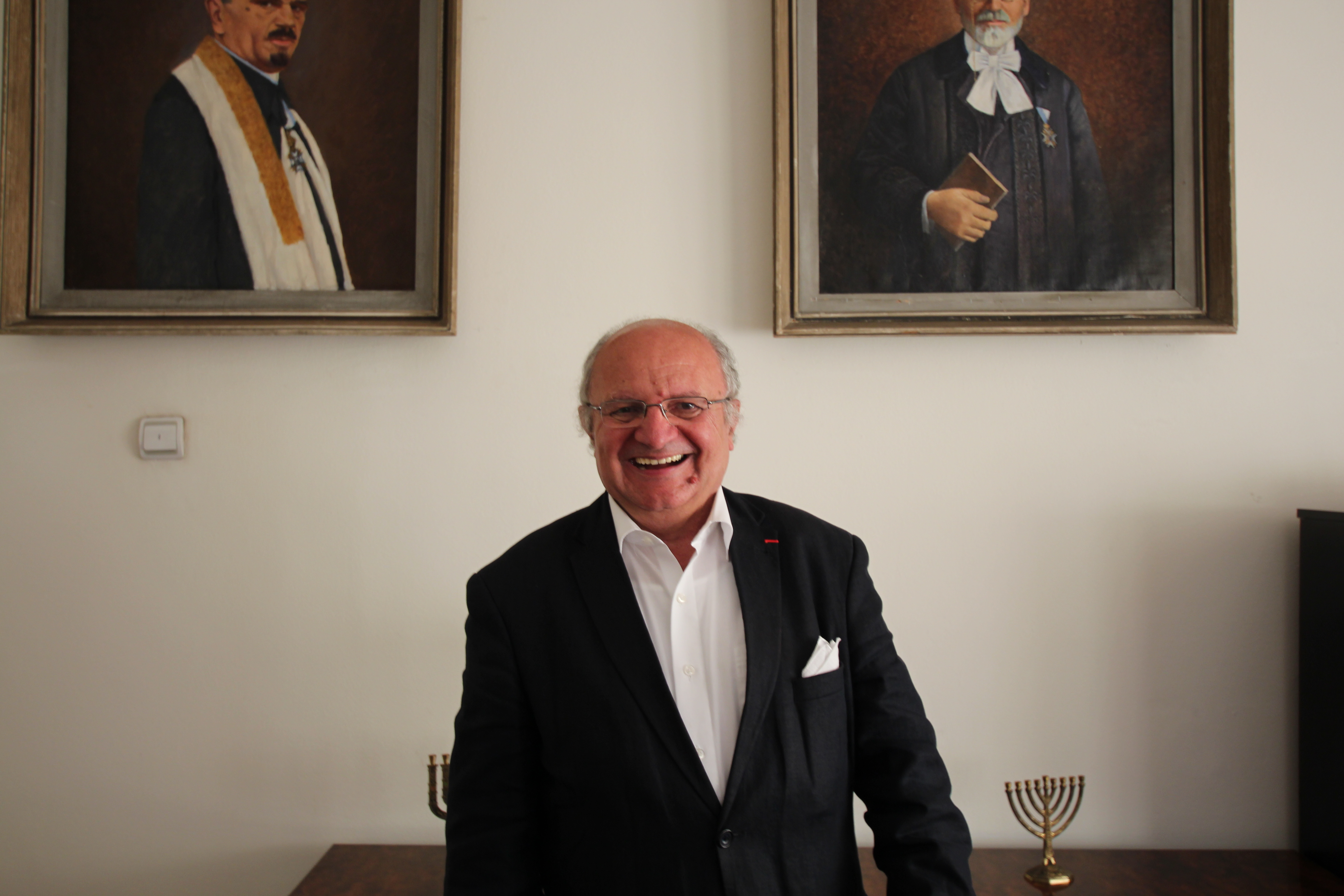 Jakob Finci in the premises of the Jewish community in Sarajevo (photo by Andrea Rossini)