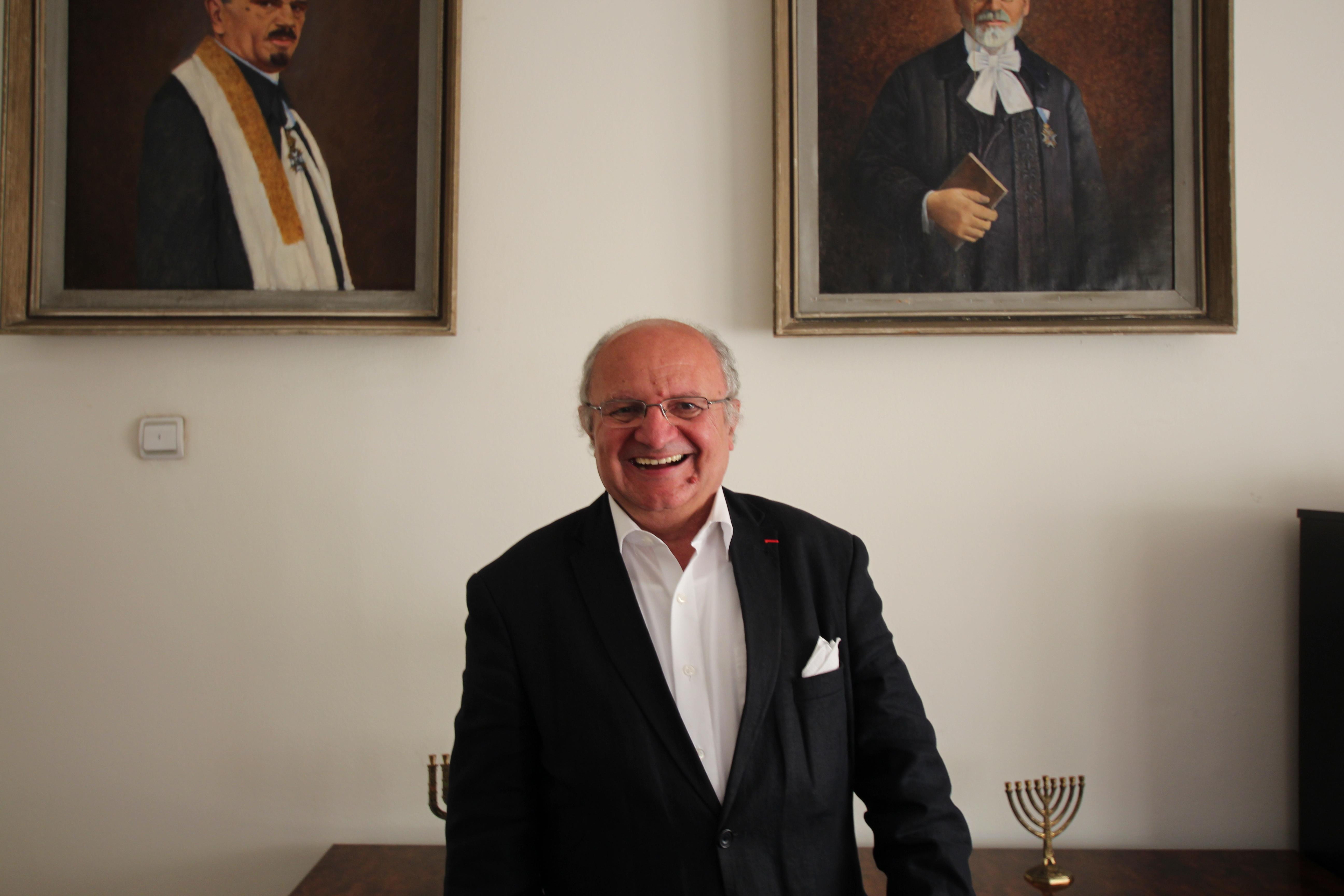 Jakob Finci in the premises of the Jewish community in Sarajevo (photo by Andrea Rossini)