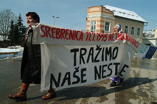 'Cerchiamo i nostri scomparsi', Srebrenica - © Gughi Fassino