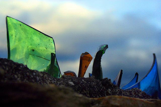 Cocci di vetro (John Schneider/flickr)
