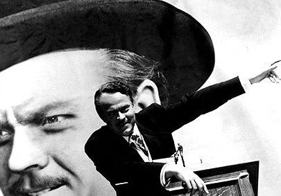 Kane (Orson Welles) nella scena della campagna elettorale (wikipedia)