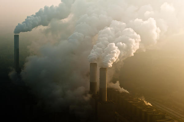 Chimney of a coal-fired power station - photo © engel.ac/Shutterstock