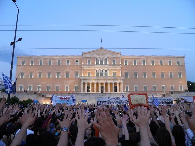 """""""Indignati"""" greci in piazza Syntagma, Atene"""