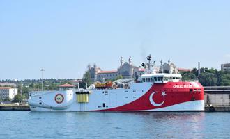 L'Oruç Reis ancorata ad Istanbul - Kagan Kaya/Shutterstock