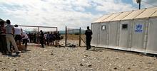 Il campo di Gevgelija e la rete che lo separa dalla Grecia (foto G. Vale)