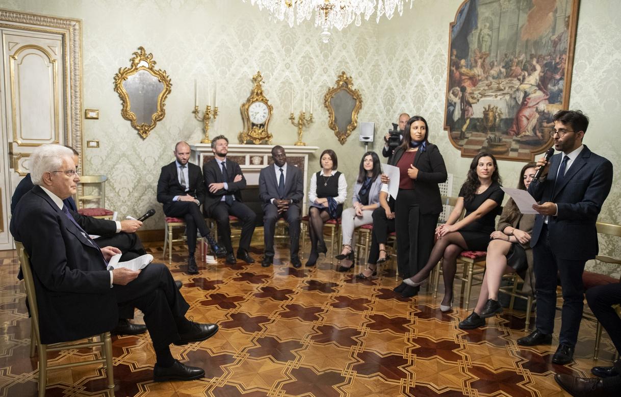 I membri di Rondine durante un incontro con il Presidente della Repubblica Sergio Mattarella - (fonte: Quirinale)
