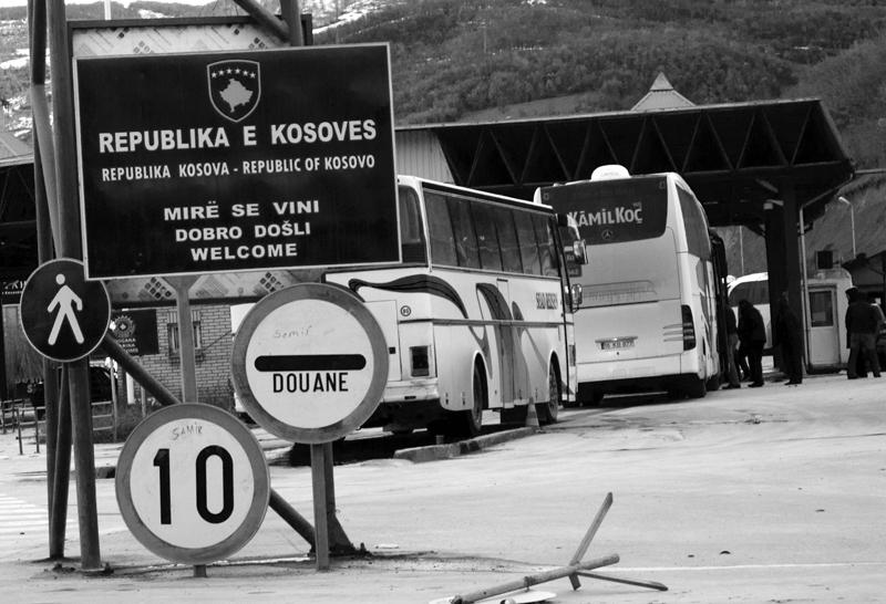 Alla frontiera tra Kosovo e Macedonia - F.Martino