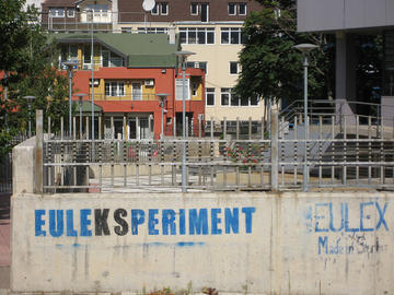 Graffiti nelle strade di Pristina, Kosovo - Matthijs Gal/flickr