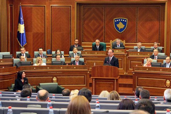 Nel parlamento di Pristina
