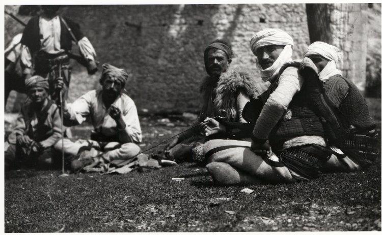 Costumi tradizionali albanesi - foto di Edith Durham