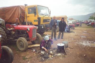 Rifugiati kosovari nel 1999 -di Jonuz Kola - Own work, CC BY-SA 4.0