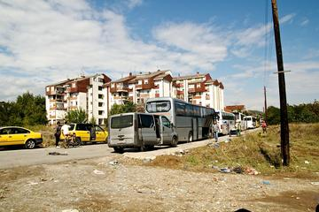 Buses and taxis in Gevgelija (photo L. Moreni)