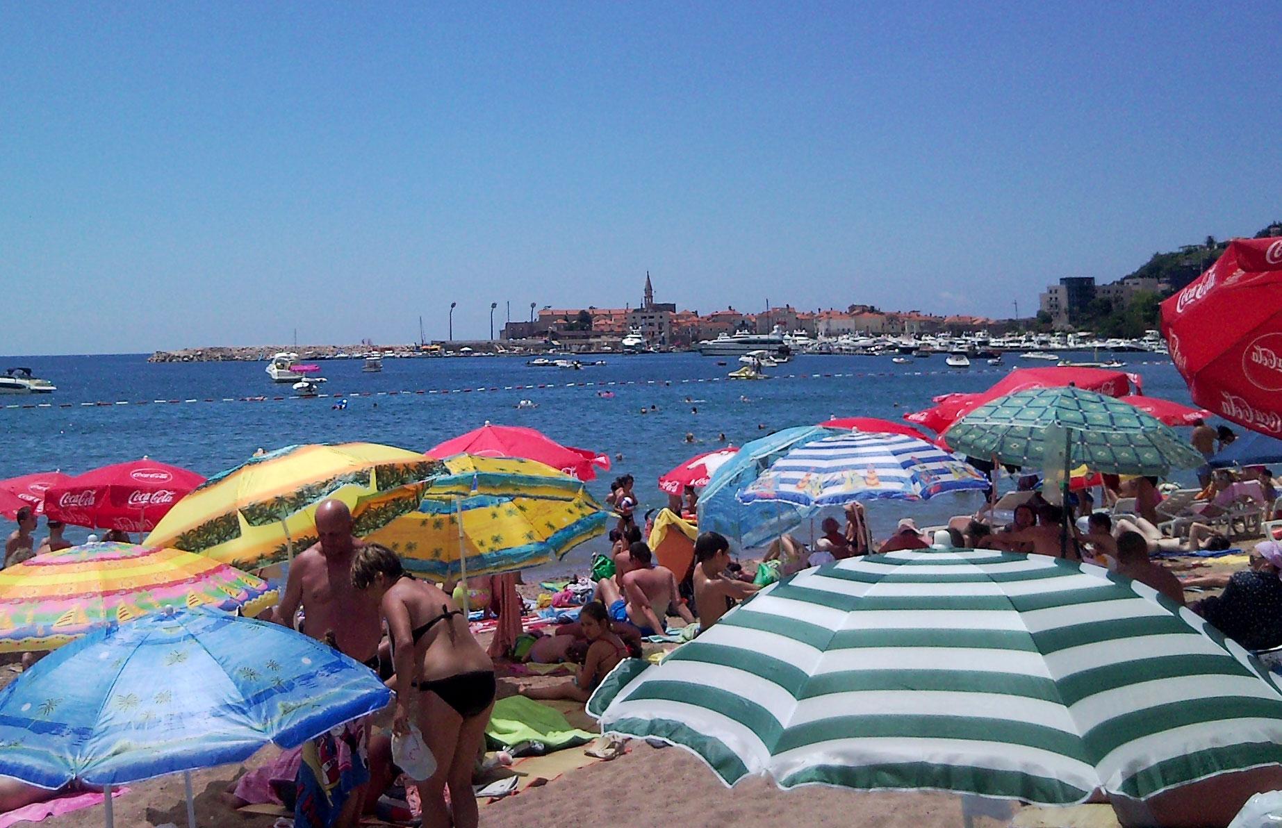 La spiaggia di Budva (foto L. Zanoni)
