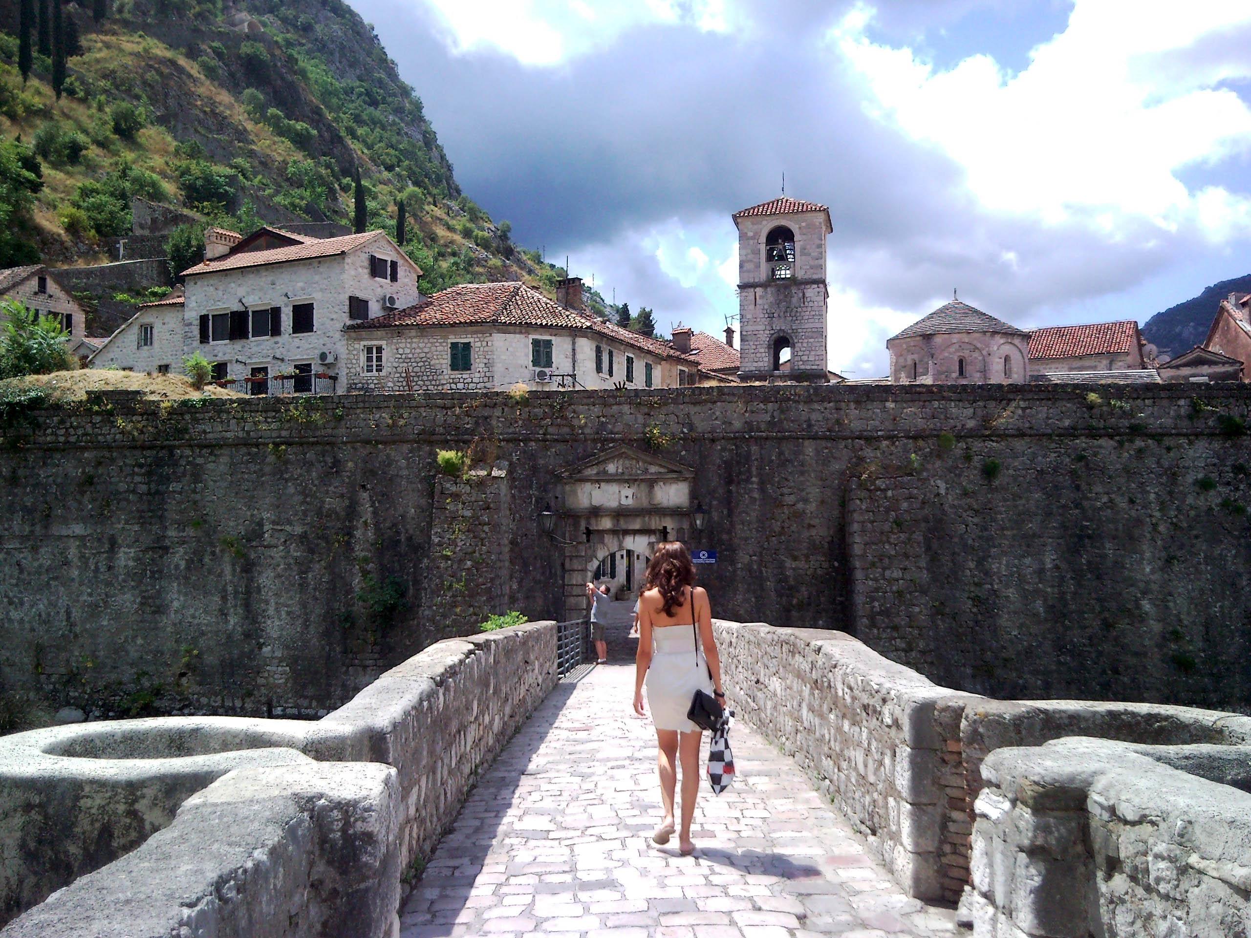 Kotor, le mura della città vecchia (foto L. Zanoni)
