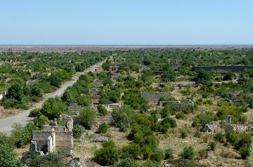 Le rovine di Agdam, a pochi chilometri dalla linea del cessate il fuoco (Foto theonlymikey, Flickr)