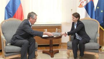 Čepurin e Brnabić (foto Beta)