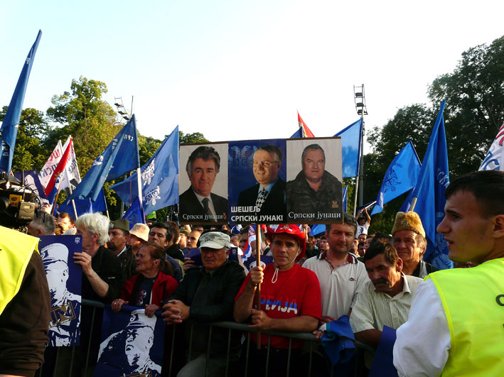 Manifestazione a Belgrado a sostegno di Mladić (foto Cecilia Ferrara)