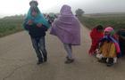 La marcia verso il valico di Berkasovo (Foto AOR)