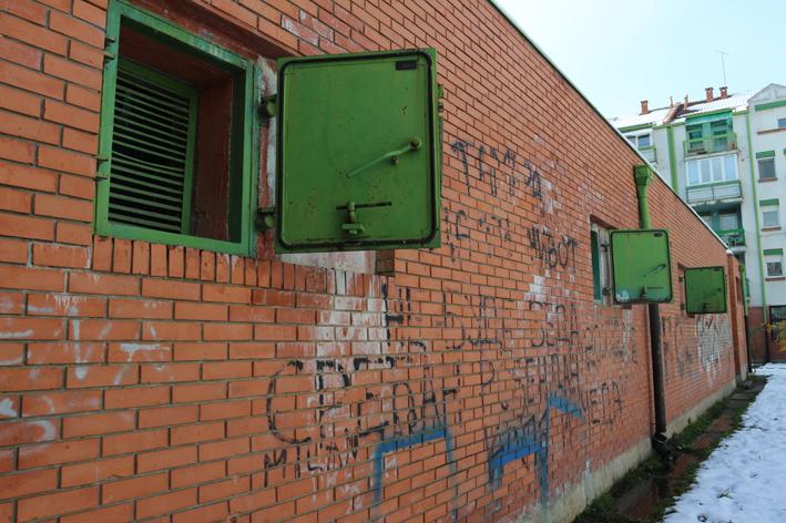 Le finestre ermetiche di un rifugio (foto S. Bregolin)