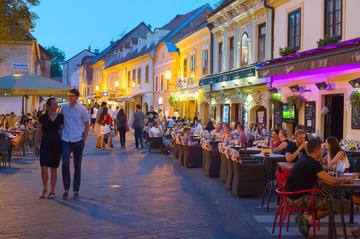 Coppia in centro a Zagabria, Croazia (© joyfull/Shutterstock)