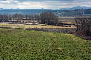 Panorama della vallata del fiume Jadar, Serbia occidentale - © banedeki/Shutterstock