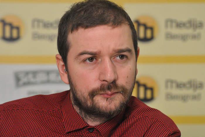 Stevan Dojcinovic ، سردبیر KRIK (عکس مرکز رسانه ای بلگراد)