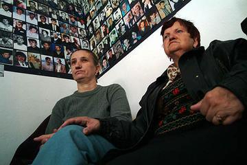 Donne di Srebrenica a Tuzla (foto Gughi Fassino)
