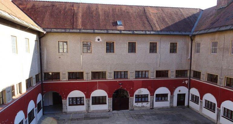 All'interno del carcere di Ig (Charles Nonnes/Le Courrier des Balkans)