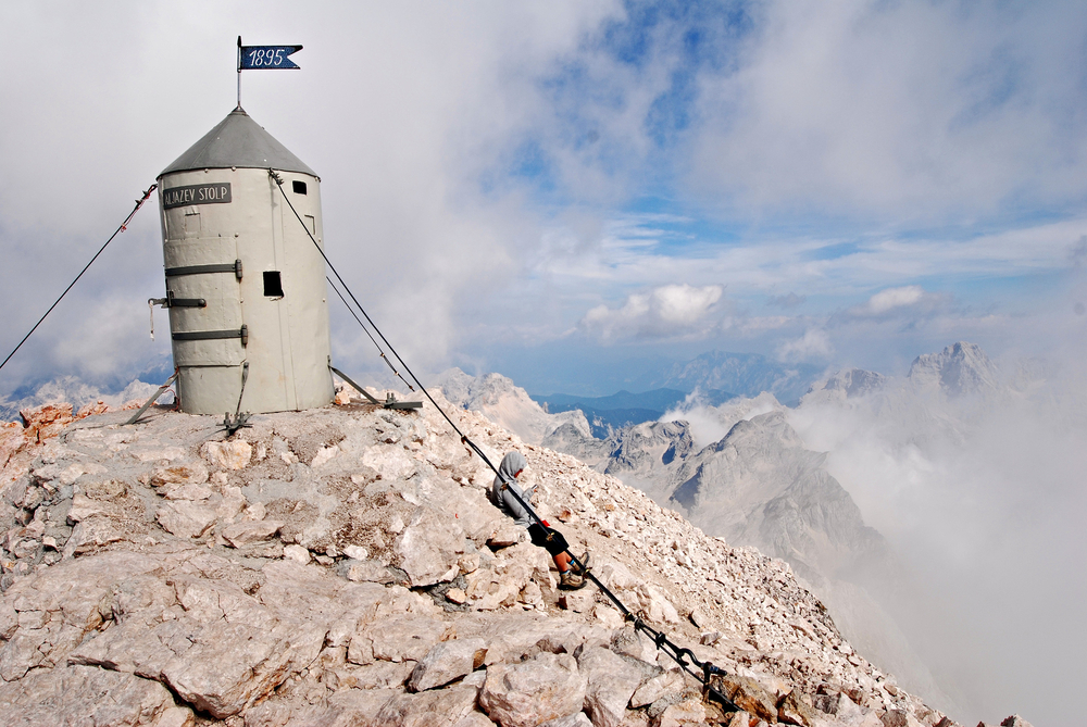 In cima al Tricorno - @ Matyas Arvai/Shutterstock