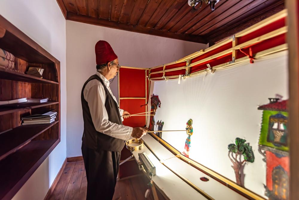 Una scena del teatro d'ombre in Turchia (attraction art/Shutterstock)