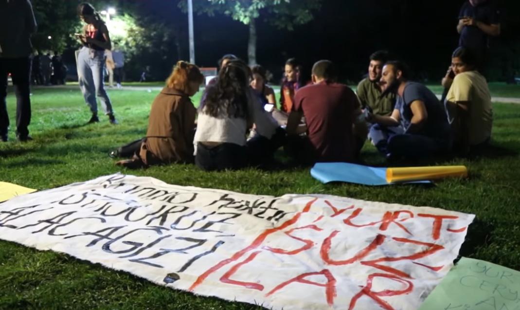 Le proteste degli studenti in Turchia, screenshot di Youtube